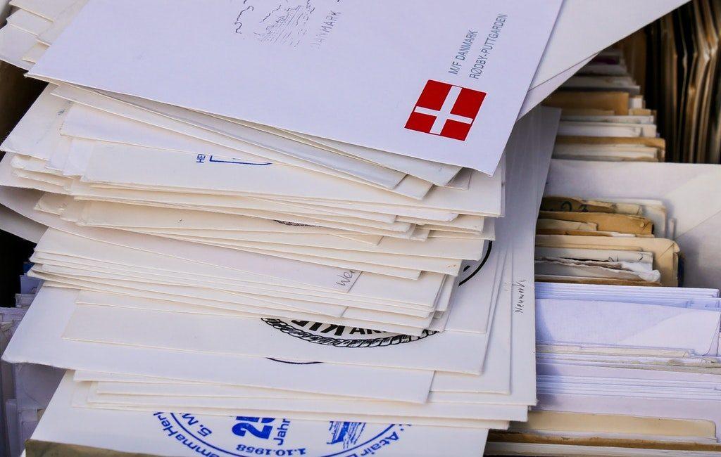 close-up-envelopes-mail-209641